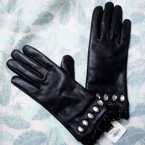 Accessories - ✨NWT✨Faux Leather Gloves w/ Diamond Jewels
